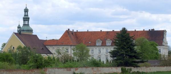 Klasztor w Czarnowąsach